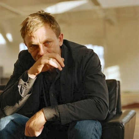 daniel_craig_crying